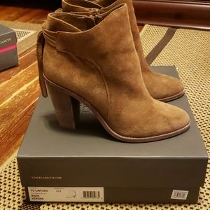 Vince Camuto brown suede booties sz 8